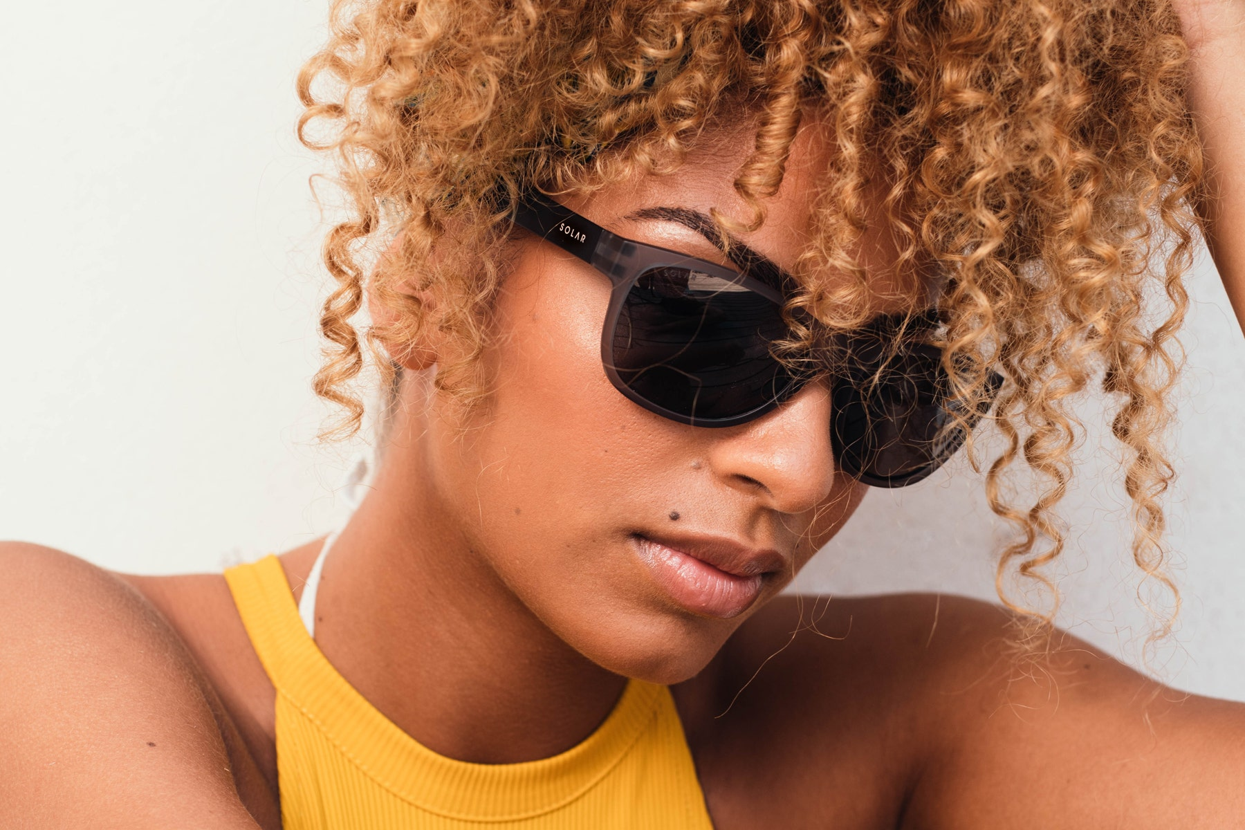 Polarised sunglasses and goggles for women
